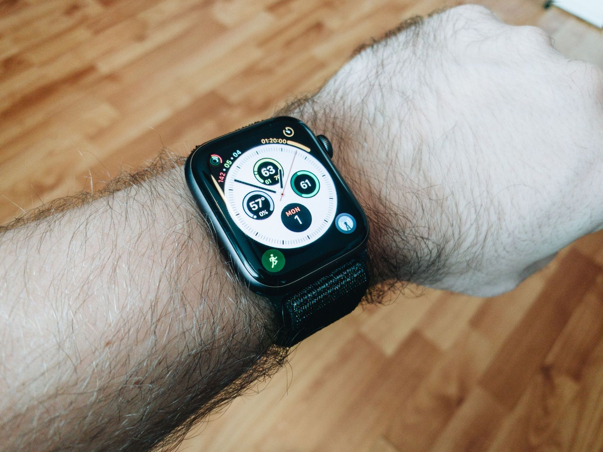 Apple Watch Series 4 Review: Bigger is Better